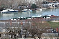 Tramway Ligne 2 vu depuis Parc St Cloud 2.jpg