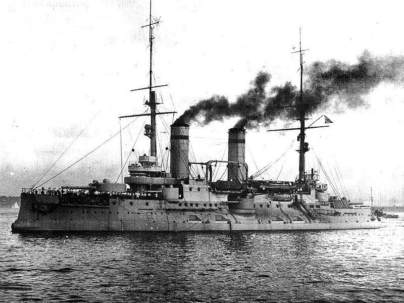 https://upload.wikimedia.org/wikipedia/commons/thumb/f/f9/Tsesarevich1912-1914.jpg/800px-Tsesarevich1912-1914.jpg