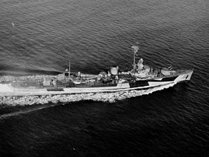 USS Davis (DD-395) - Davis underway after her modernization in 1944-1945.