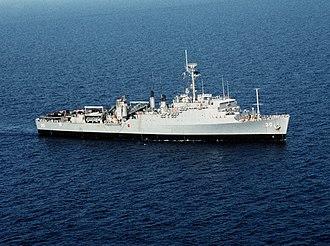 USS Fort Snelling (LSD-30) - USS Fort Snelling (LSD-30) off Lebanon in 1984