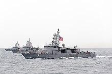 USS-Uragano (komputilo-3), USS-Tifono (komputilo-5) kaj USS-ĉinuk-helikoptero (PC-9) survoje en marto 2015.JPG