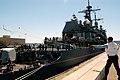 US Navy 070731-N-7732W-088 Line handlers secure USS Bunker Hill (CG 52) as it pull into port in preparation for Seattle Seafair 2007.jpg