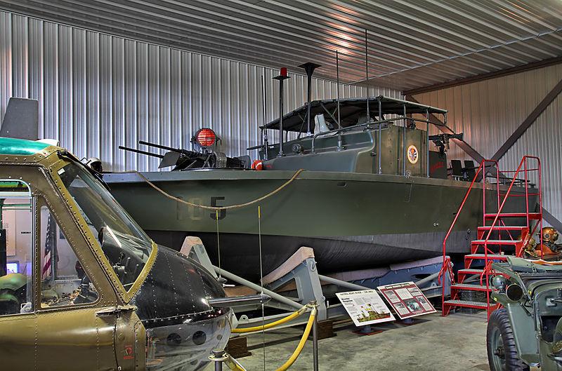 File:US patrol boat as seen in Apocalypse Now.jpg