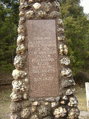 Unknown Confederate Soldier Monument in Horse Cave - Image: Unknown Confederate Horse Cave 3
