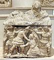 Urna in alabastro gessoso con duello tra eteocle e polinice e figura femminile distesa, 250-200 ac ca., da chiusi, loc. il colle, tomba II.JPG