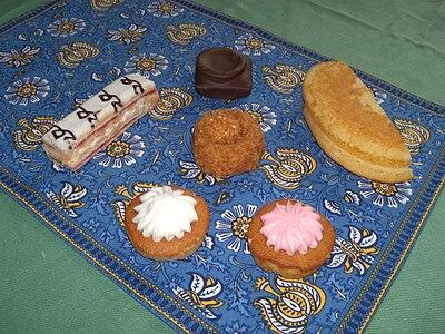 Des petits gâteaux de Vachon. De haut en bas, de gauche à droite  Ah  Caramel ! L\u0027original, Milles Feuilles, Miami, 1/2 Lune vanille, Rosette  vanille et