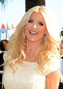 Description de l'image Victoria Silvstedt Cannes 2015.jpg.
