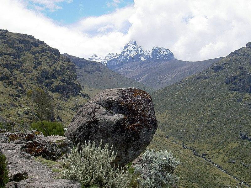 Kilimanjaro Dağı Afrika, Mount Kilimanjaro. Afrikanın En Yüksek Dağı