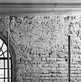 Voormalig raam onder muurplaat aan de oostzijde in de zuidgevel - Grijpskerk - 20400930 - RCE.jpg