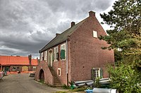 "WLM - Lumperjack - Troepenverbandplaats, ziekenboeg genaamd ""Krankenrevier De Kooy"" te Den Helder. (De Dokters Woning).jpg"
