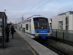 Chelles - Gournay Station - Image: Z22500 Cohi 2Chelles