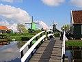 """Zaanse Schans """"redoute zaanoise"""" (le moulin du """"chat"""") 30 04 2006 - panoramio.jpg"""