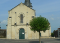 Église Saint-Romain de Curzon (vue 3 de la place de la Mairie).png