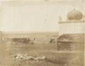 Британская артиллерийская позиция во дворе Керченской мечети, Крымская война 1855.png