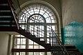 """Казарма """"Париж"""", лестница в подъезде. Фото 2.jpg"""