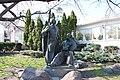 Київ, Паркова скульптура «Запорожці», Сагайдачного Петра вул. 27-Б.jpg