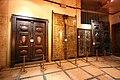 تصویر درب های قدیمی در موزه استانه قم.jpg