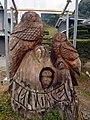 フクロウのチェーンソーアート Wooden figure of owls 2011.3.06 - panoramio.jpg