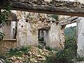 053 Casa en ruïnes vora l'església de Marmellar.JPG