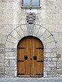 109 Ajuntament de Camprodon, portal i escut de la vila.JPG