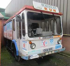 Morrison-Electricar - Morrison-Electricar milk float OOA 655, adapted to take part in the Beaujolais Run in 1995
