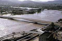 Victoria Bridge during flood