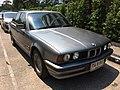 1988-96 BMW 5-Series 525i.jpg