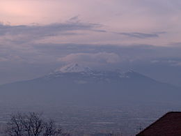 20050217 1709 vesuvius under snow.JPG