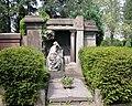 20100522150DR Dresden-Striesen Friedhof Familiengrab Klemm.jpg