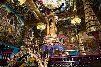 Inthakhin (pillar) - Image: 2017 0419 Chiang Mai City Pillar Shrine interior