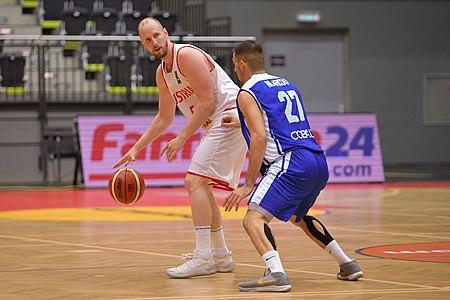 20180913 FIBA EM 2021 Pre-Qualifiers Austria vs. Cyprus Schreiner Markou 850 5593.jpg