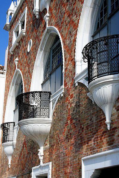 File 5828 venezia giudecca mario de maria casa dei for Casa revival gotica