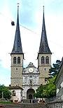 6303 - Luzern - Haupttreppe and Hofkirche St. Leodegar above Sankt-Leodegar-Strasse.JPG
