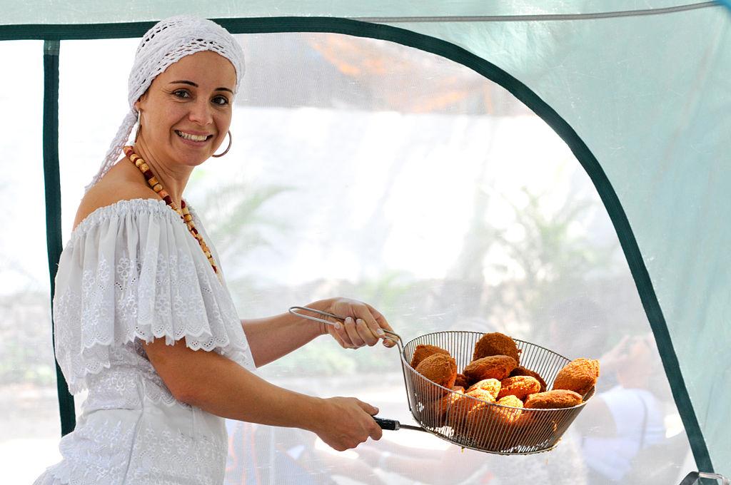 Acarajé - A baiana do Acarajé Claudia Baiana