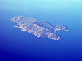 Aerial view of Isola del Giglio, 2006-06-04.jpg