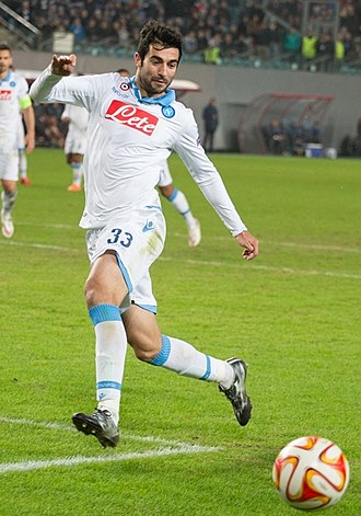 Raúl Albiol - Albiol in action for Napoli in 2015