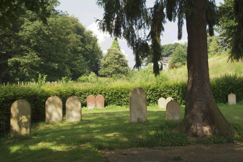 File:Alfter Jüdischer Friedhof (01).png
