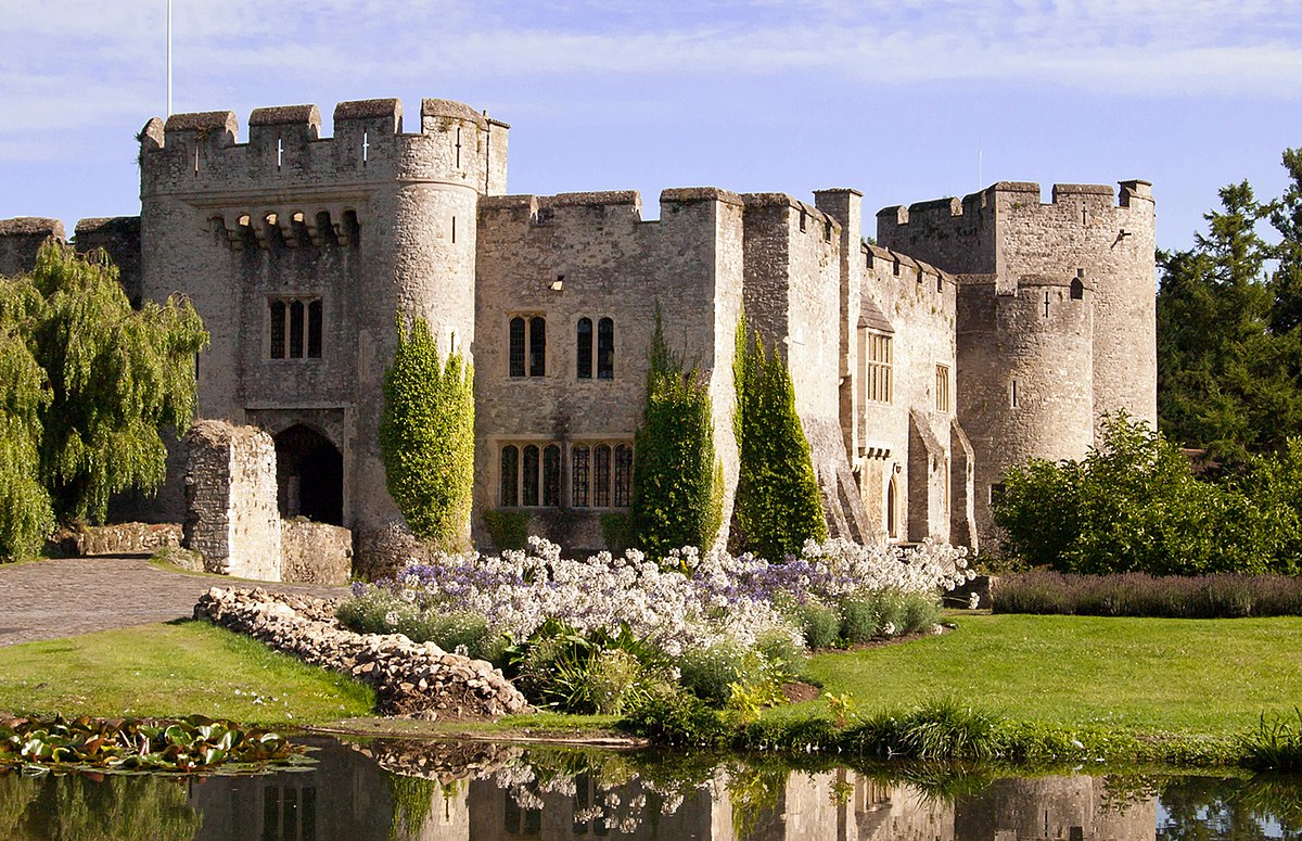 the history of the pleshey castle during the 15th century The 15th century brought many changes in england, particularly under the rule of the tudors from 1485 onwards.