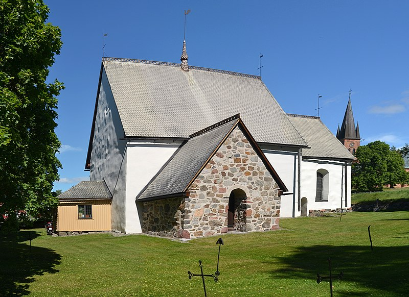 File:Alnö gamla kyrka (by Pudelek).jpg