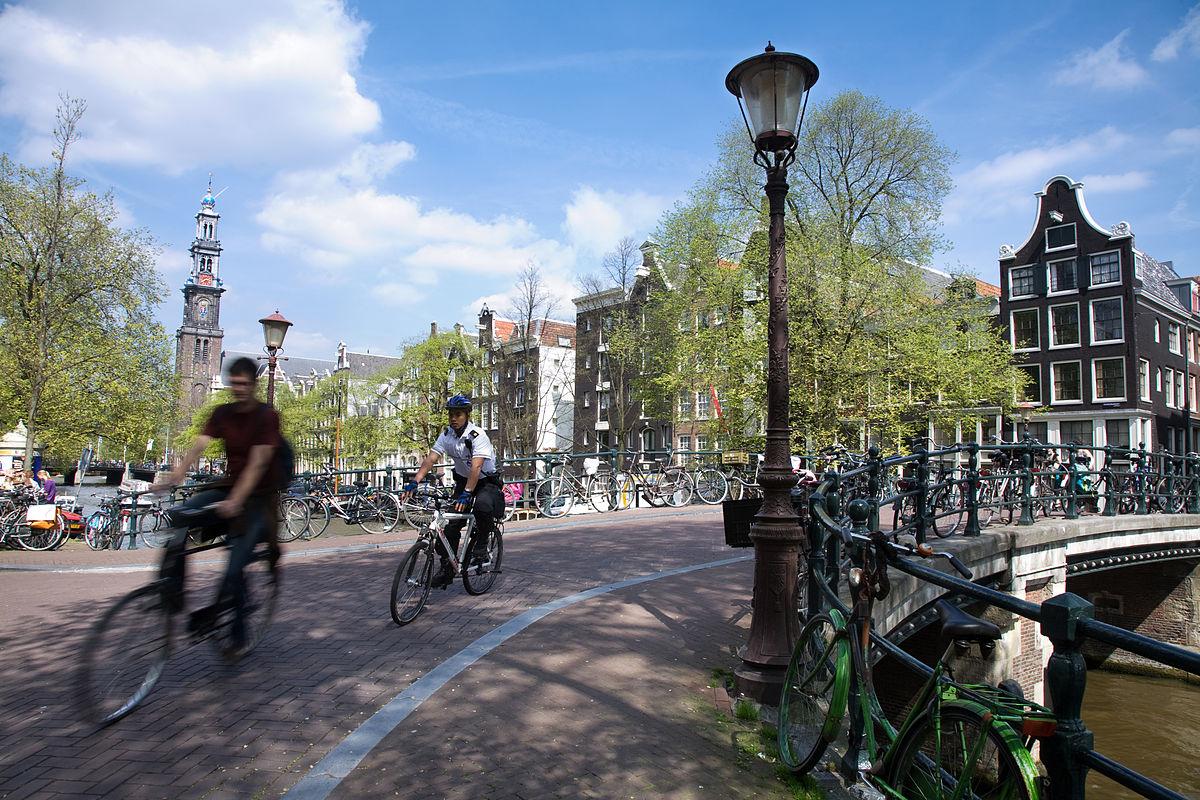 Картинки по запросу amsterdam bikes