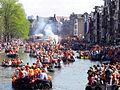 Amsterdam - Koninginnedag 2012 - Prinsengracht boats.JPG