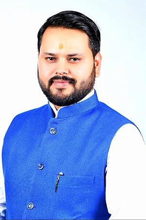 Anshul Tiwari Portrit.jpg