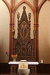 Apostelkirche(Hannover) Altar.jpg