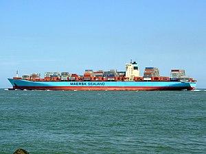 Arnold Maersk p2, leaving Port of Rotterdam, Holland 19-Jul-2007.jpg