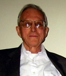 Arthur Burks American mathematician who contributed to the design of the first general-purpose electronic digital computer (1915–2008)