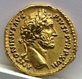 Aureo di antonino pio, 153-154 dc., roma.jpg
