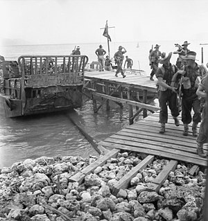 2/32nd Battalion (Australia) - Troops from 'D' Company, 2/32nd Battalion coming ashore at Jesselton, September 1945