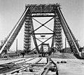 Az épülő Erzsébet híd a budai hídfőtől nézve. Fortepan 11973.jpg