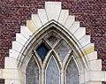 Bapaume église St-Nicolas (chevet fenêtre côté Sud) 3a.jpg