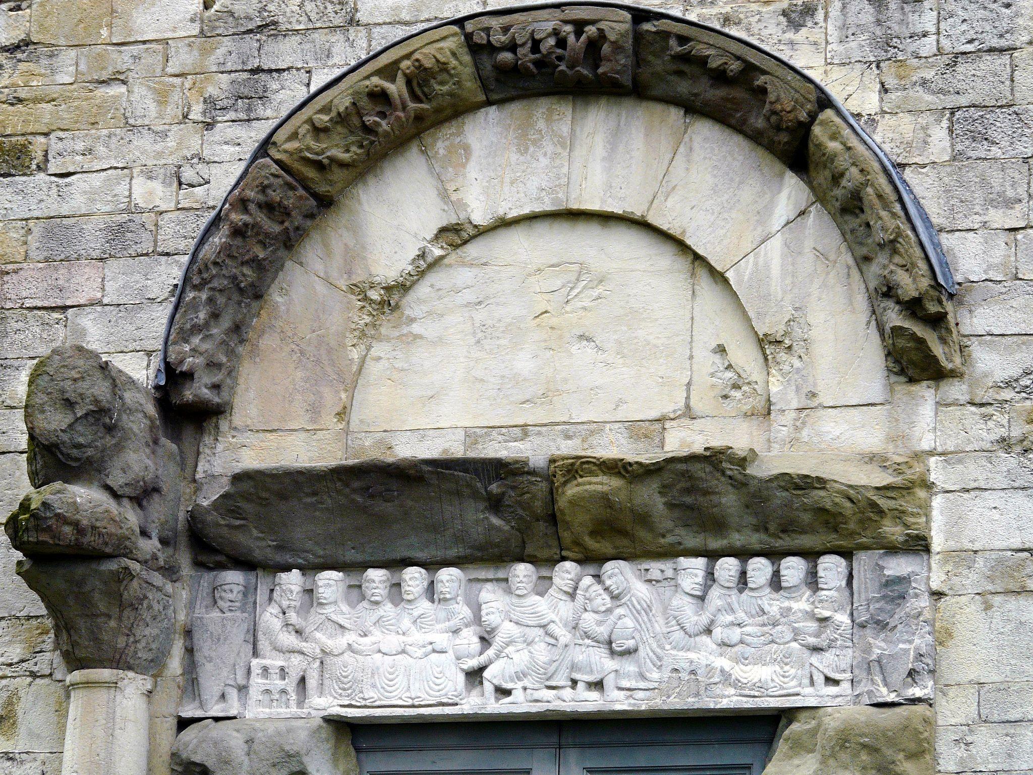 Barga-duomo-prospetto laterale ovest-portale